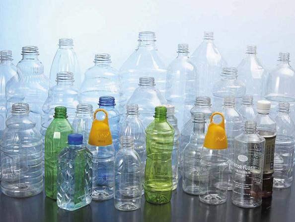 Thận trọng với chai nhựa để tránh độc hại